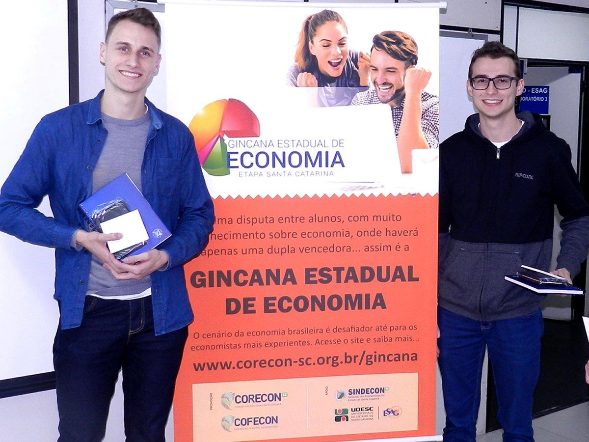 Estudantes da Furb vencem a 4ª Gincana Estadual de Economia - Corecon/SC